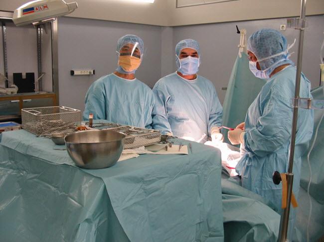 Bác sĩ Thuận tại cộng hòa Pháp