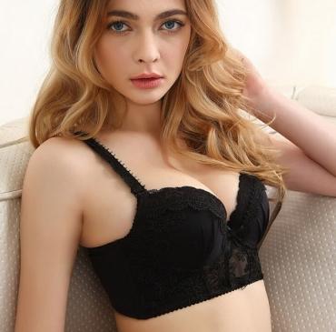 Nâng ngực có nguy hiểm không?