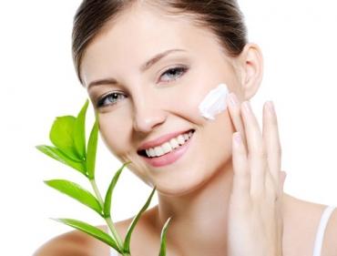 Nguyên nhân khiến da mặt chảy xệ và cách khắc phục