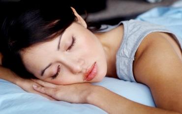 3 tư thế nằm sai ảnh hưởng đến giấc ngủ của bạn