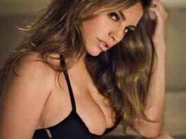 Thu gọn vú phì đại (Breast Reduction)